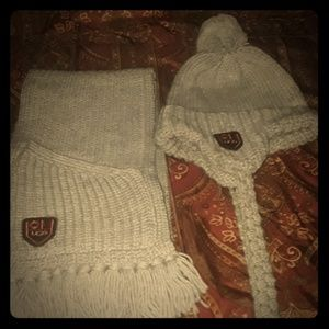 Auth UNIQUE UGG Wool Cable Hat   Scarf Set 5df4801fc